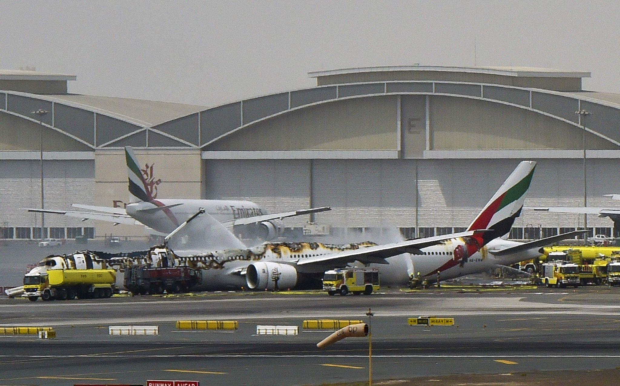 emirates-EK521-crash-fire
